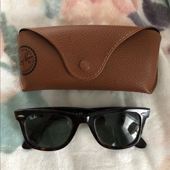 4ba7ea5e3a6d Ray-Ban Wayfarer Classic Non-Polarized Sunglasses.  M 5c7838e404e33de4056b5a57